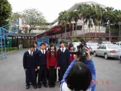 席兒與班上同學參與超偶拍攝