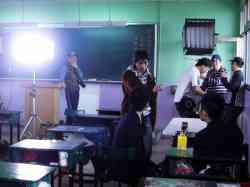 拍攝校園公益防治愛滋病短片「愛,藥不要」