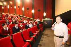 電影「共犯」票房破表由演藝科學生-鄭開元擔任戲中主角,莊敬演藝前進戲院挺國片