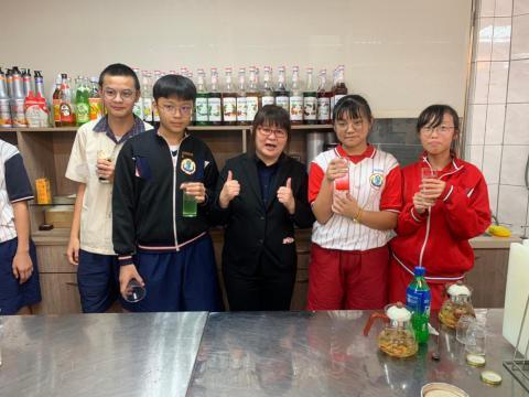 1016忠孝國中飲調職業試探_200113_0009.jpg