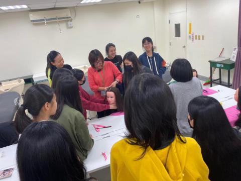 政大來校參訪永和校區108.11.28_191129_0001.jpg