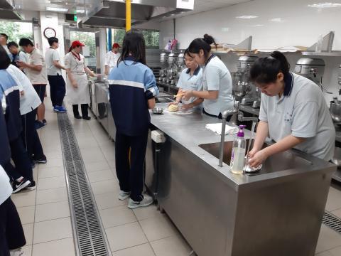 二樓中六教室餐飲科_190603_0005.jpg