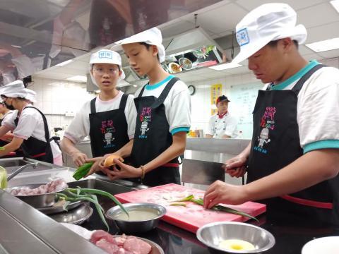 1081005泰山國中廚藝製作_191119_0010.jpg