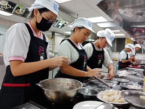 1081005泰山國中廚藝製作_191119_0006.jpg