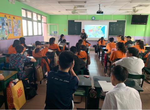 1112新加坡蒙福中學國際交流_191205_0006.jpg