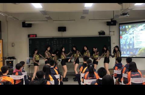 表演團體:莊敬Twice