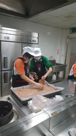2020.03.18海山巧克力蛋糕捲_200408_0018.jpg