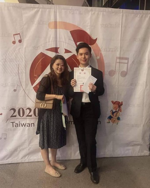 狂賀 音二莊 張哲維同學榮獲文化盃音樂大賽,高中音樂班組第二名