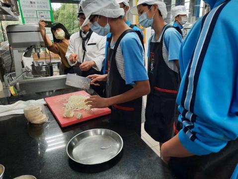 1090929新泰國中_201006_5.jpg