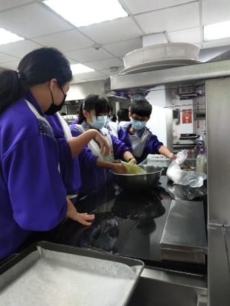 板橋國中β班 茶酥餅乾 寵物美容_201016_3.jpg