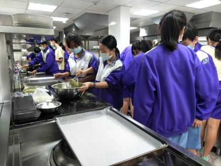 板橋國中β班 茶酥餅乾 寵物美容_201016_0.jpg