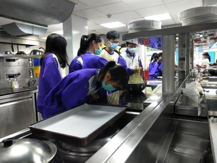 板橋國中β班 茶酥餅乾 寵物美容_201016_1.jpg
