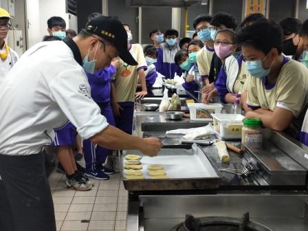 板橋國中β班 茶酥餅乾 寵物美容_201016_8.jpg
