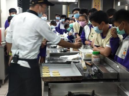 板橋國中β班 茶酥餅乾 寵物美容_201016_10.jpg