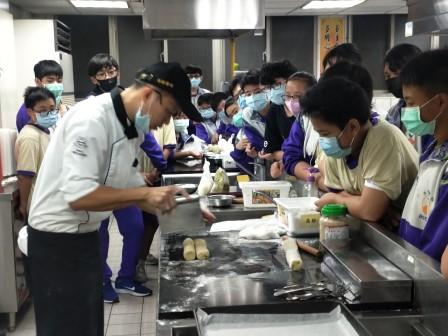板橋國中β班 茶酥餅乾 寵物美容_201016_24.jpg