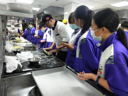 板橋國中β班 茶酥餅乾 寵物美容_201016_44.jpg