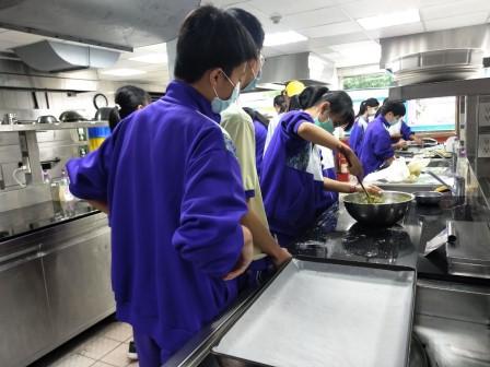 板橋國中β班 茶酥餅乾 寵物美容_201016_48.jpg