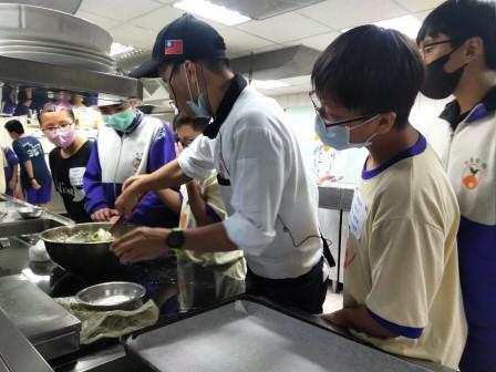 板橋國中β班 茶酥餅乾 寵物美容_201016_50.jpg