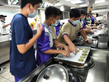 板橋國中β班 茶酥餅乾 寵物美容_201016_56.jpg