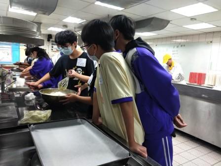板橋國中β班 茶酥餅乾 寵物美容_201016_59.jpg