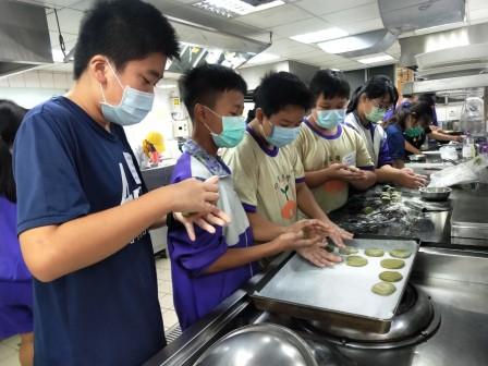 板橋國中β班 茶酥餅乾 寵物美容_201016_60.jpg