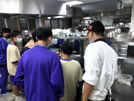 板橋國中β班 茶酥餅乾 寵物美容_201016_71.jpg