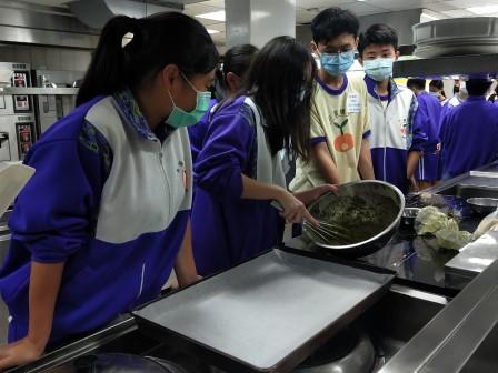 板橋國中β班 茶酥餅乾 寵物美容_201016_73.jpg