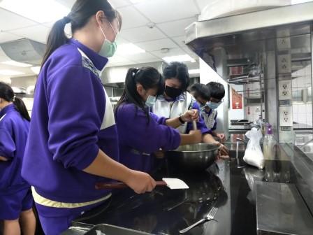 板橋國中β班 茶酥餅乾 寵物美容_201016_74.jpg