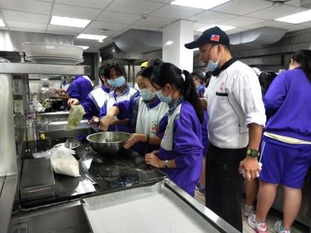 板橋國中β班 茶酥餅乾 寵物美容_201016_80.jpg