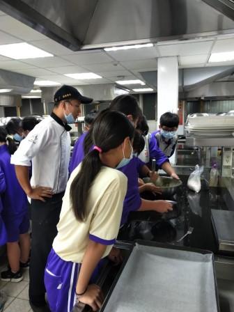 板橋國中β班 茶酥餅乾 寵物美容_201016_85.jpg