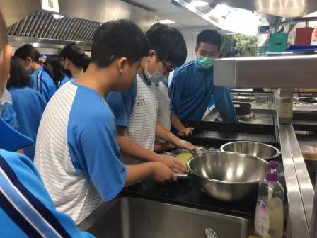 1023新泰國中815_201030_18.jpg