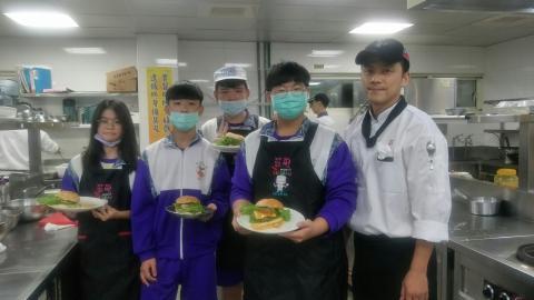 20201123板橋國中手工漢堡炸薯條_201127_3.jpg