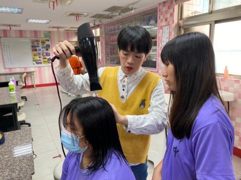 錦和洗髮_201222_1.jpg