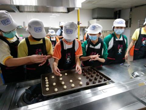 1090930海山國中食品群_201006_2.jpg