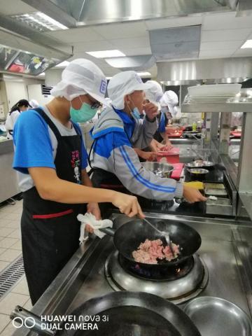 1007明德國中義大利肉醬麵,玉米濃湯_201008_8.jpg