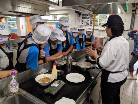 930明德國中蔬菜煎餅手工地瓜圓_201006_0.jpg