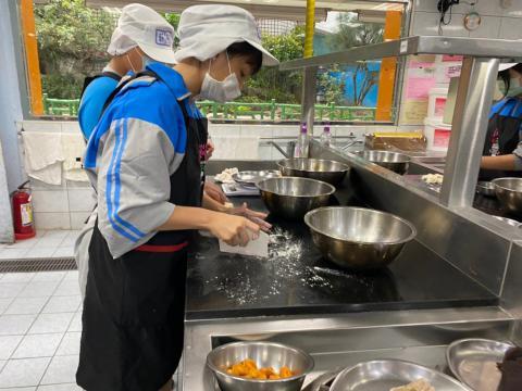 107明德食品_201012_4.jpg