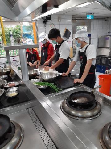 2020.11.05積穗專班 海鮮煎餅  涼拌小黃瓜_201222_5.jpg