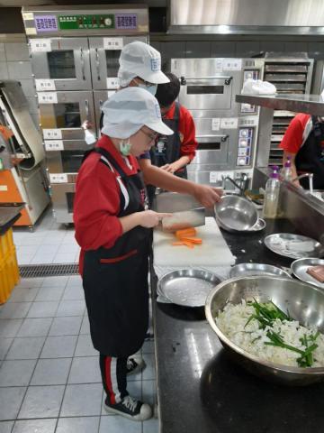 2020.11.05積穗專班 海鮮煎餅  涼拌小黃瓜_201222_8.jpg