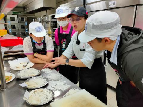 115福和國中海鮮炒烏龍麵、蔬菜煎餅_201216_39.jpg