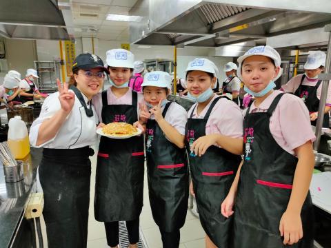 115福和國中海鮮炒烏龍麵、蔬菜煎餅_201216_37.jpg