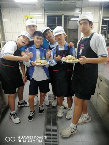 1119貢寮國中 豬肉餡餅_201207_15.jpg