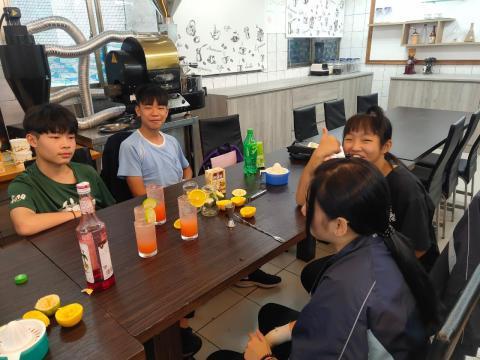 1090924雙溪國中餐旅_201006_2.jpg