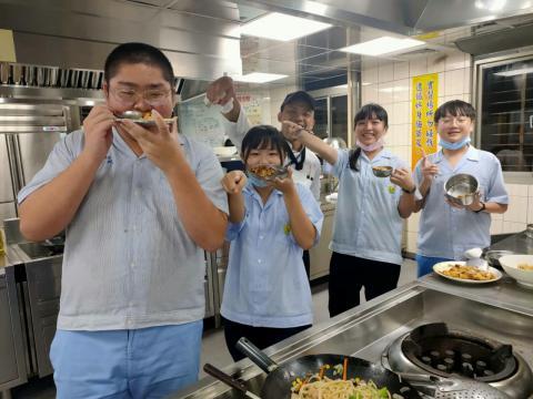 2020116泰山國中和風煎餅海鮮烏龍麵_201216_7.jpg