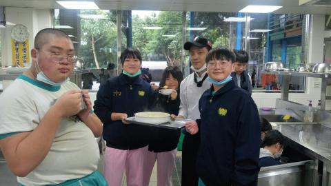 2020124焗烤奶油筆管麵玉米濃湯技藝班刀公會內初選_201207_2.jpg