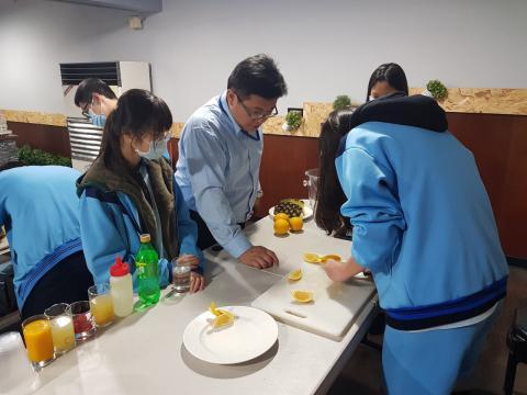 20201211尖山國中甲班飲料調製_201216_1.jpg