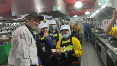 20201225烏來國中烤雞綜合沙拉_201229_4.jpg
