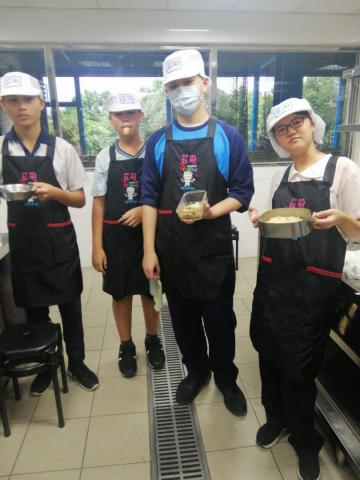 1030光榮國中 什錦炒米粉,貓舌頭餅乾_201216_4.jpg