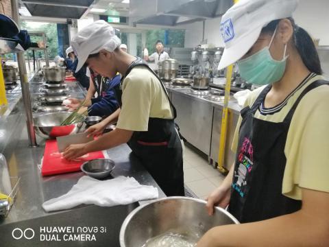 1023 光榮國中,培根炒飯 三色雞絲羹_201026_8.jpg