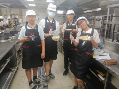 0918 光榮專班水餃,酸辣湯,水果雕刻_201006_9.jpg